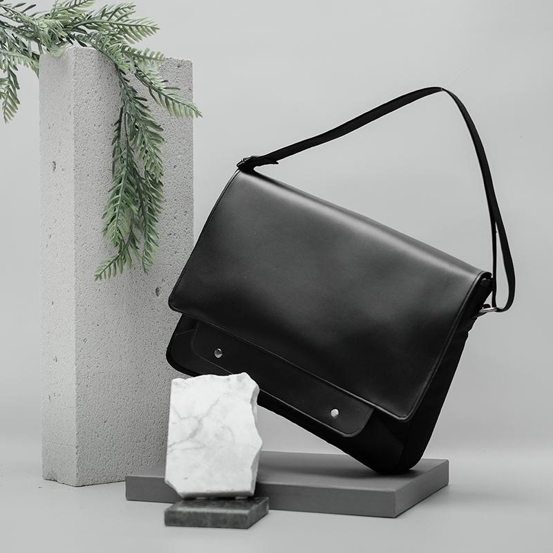 Mykonos 02. Messenger Bag (1)